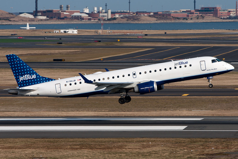 This JetBlue Embraer E190 had a long rotation before pulling up.