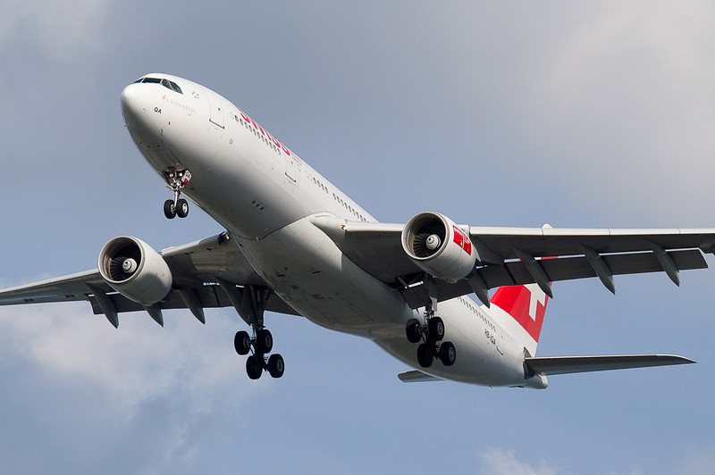 The Swiss A330 from Luxembourg on final to runway 27.
