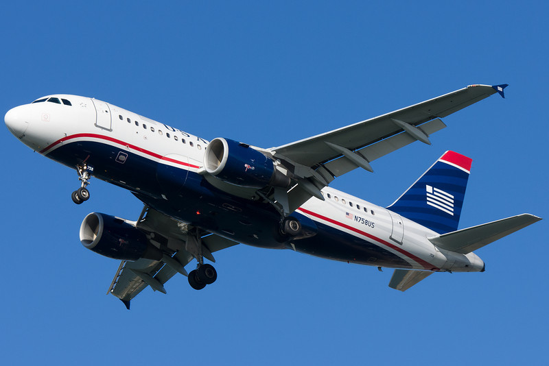 US Airways A319 on final for runway 27.