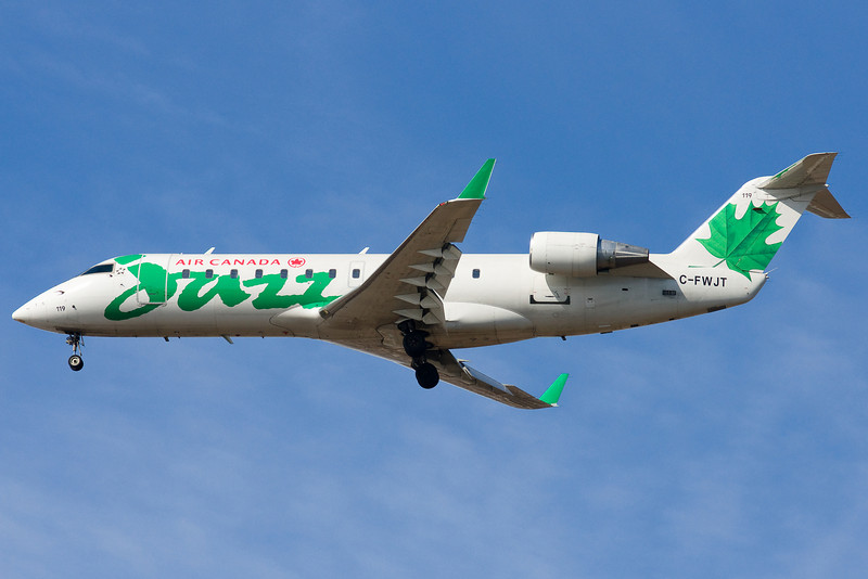 Canadair green CRJ on final for 22L.