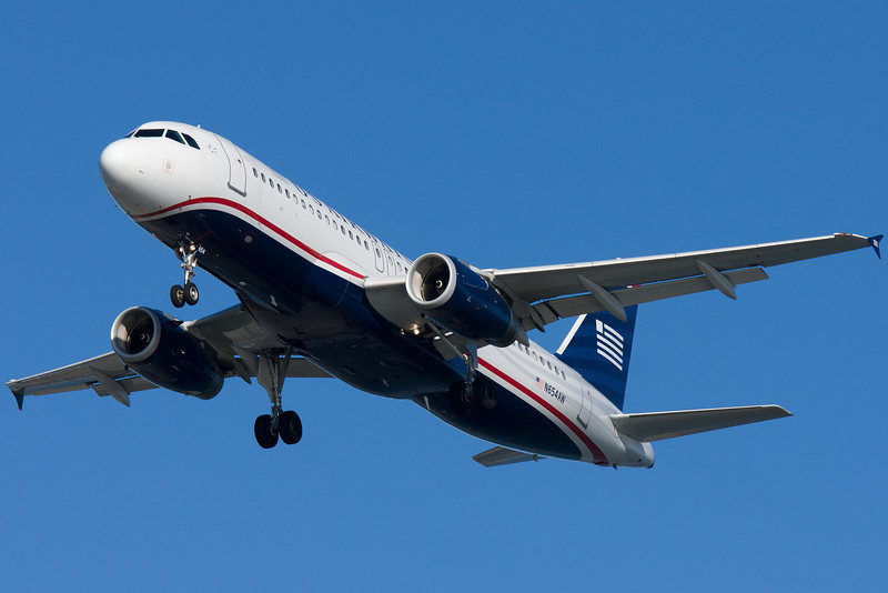 US Airways A320 on final for runway 27.