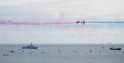 Red Arrows close passes over the bay