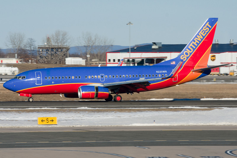 Reversers deployed on runway 33 for this Southwest jet.