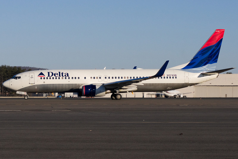 This DL 737 with recently installed winglets is bound to Florida.
