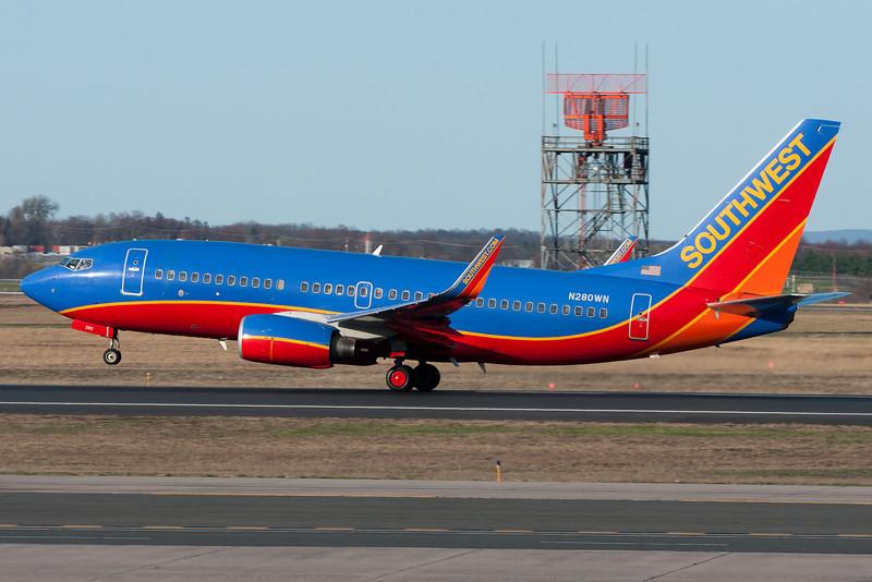 Southwest 737 departing runway 33.