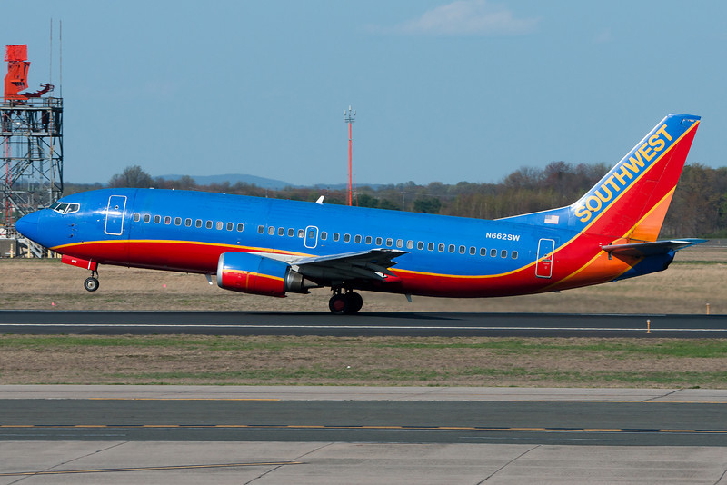 A Southwest 737-300 departs Bradley via runway 33.