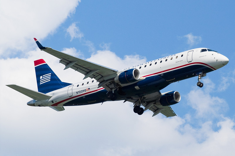 US Airways Express' Embraer 175 on final for runway 24.
