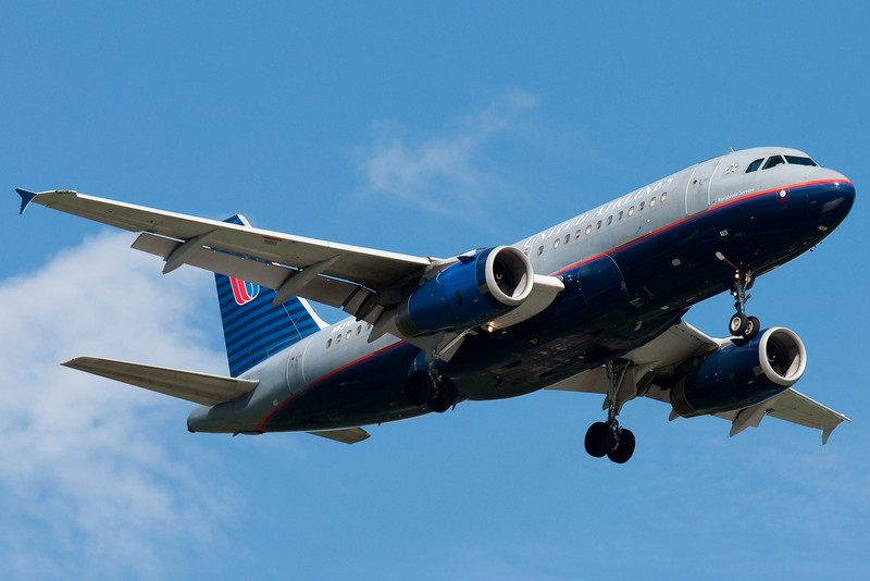 A United A319 is on final for runway 24 at BDL.