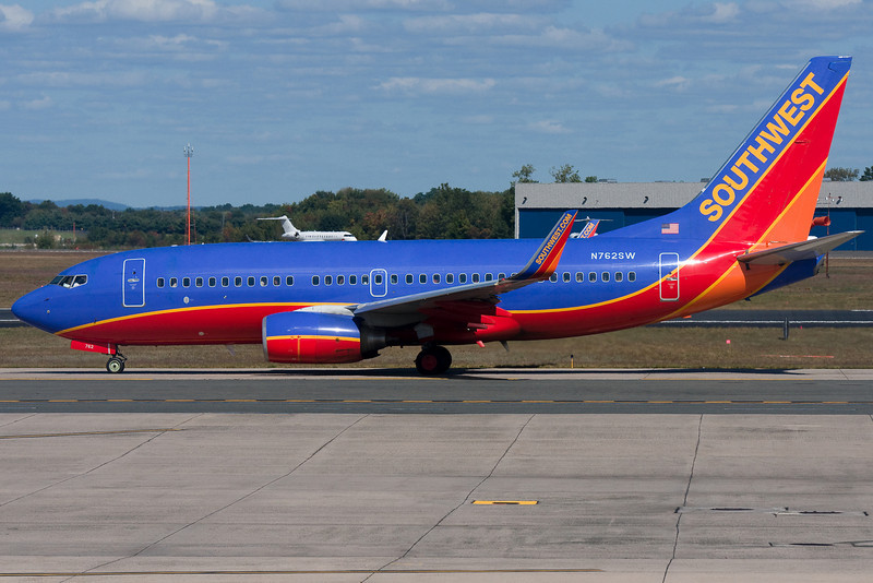 Southwest 737 taxiing to 24 for takeoff.