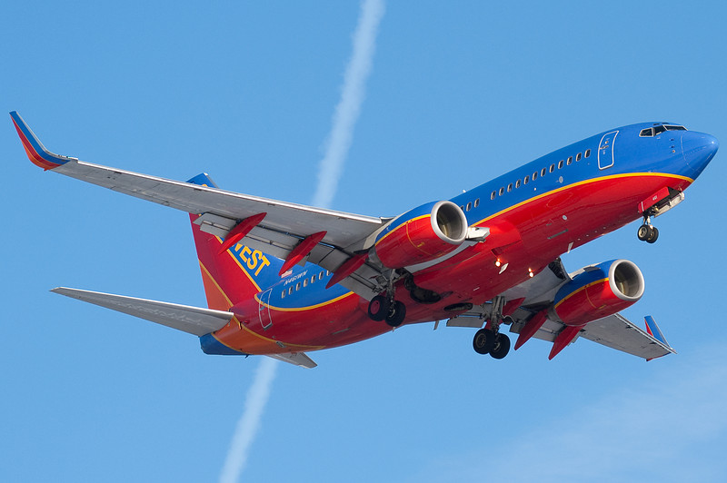 Another Southwest 737 on final