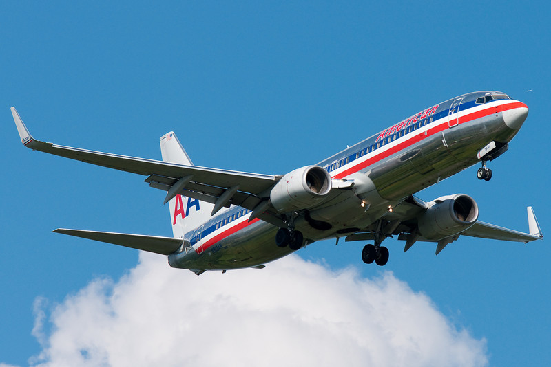 An American 737-800 on final for runway 24.