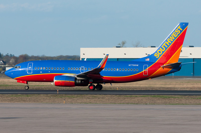 A Southwest 737 prepares to rotate from BDL's runway 33.