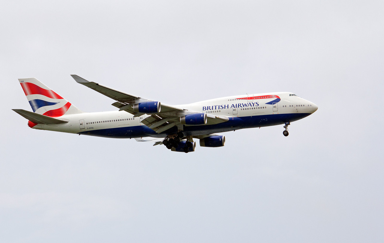 G-BYGG BRITISH AIRWAYS B747-400