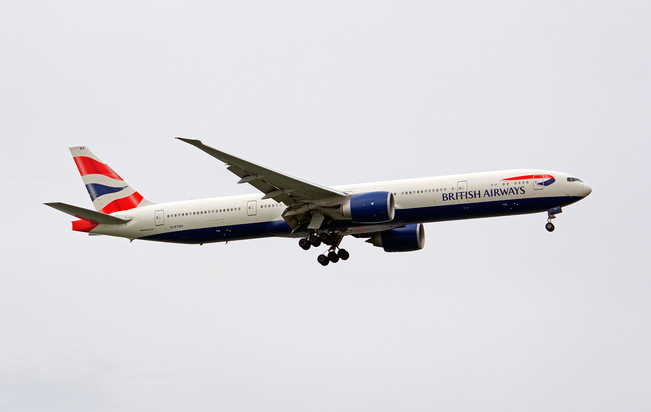 G-STBA BRITISH AIRWAYS B777-300
