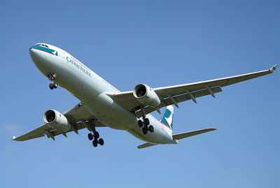 B-HLQ CATHAY PACIFIC A330-300