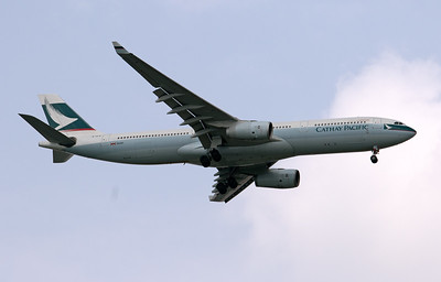 B-HLO CATHAY PACIFIC A330-300