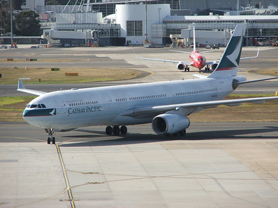 B-HLR CATHAY PACIFIC A330-300