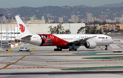 B-2047 AIR CHINA B777-300