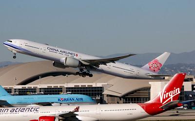B-18051 CHINA AIRLINES B777-300