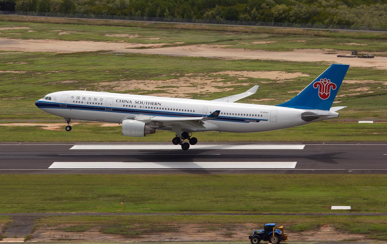 B-6547 CHINA SOUTHERN A330-200