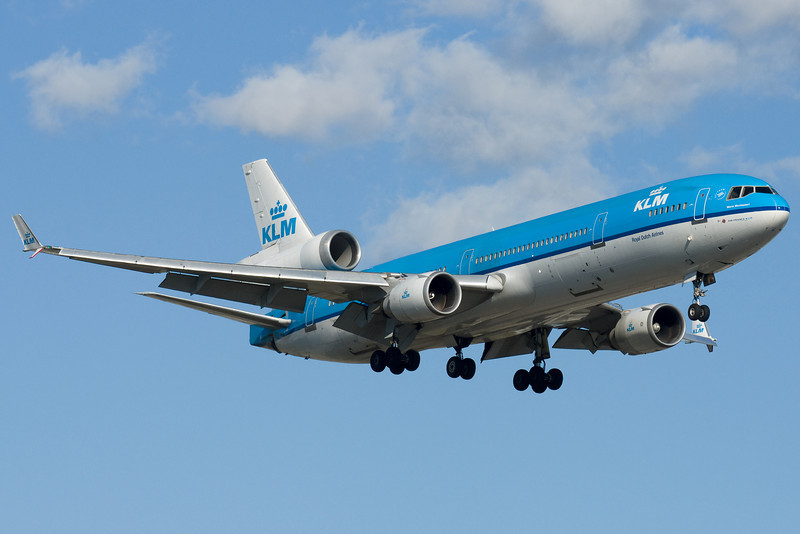 KLM MD-11 Maria Montessori on final for 24R.
