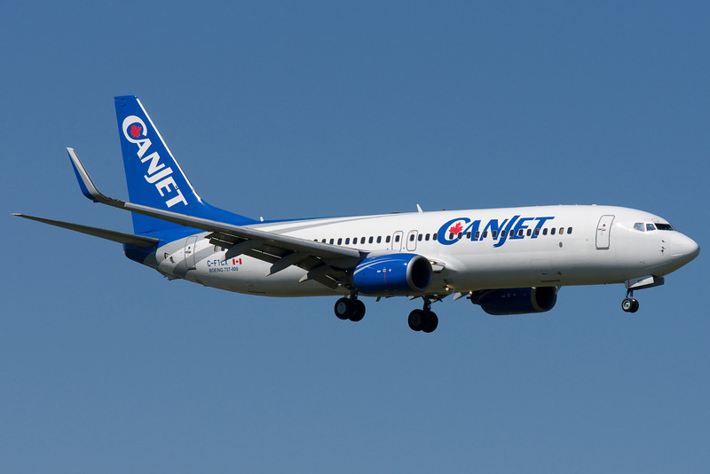Canjet 737 on final to 06L at Montreal.