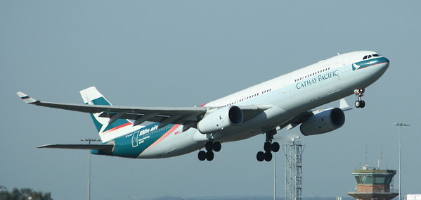 CATHAY PACIFIC Airbus A330-300 B-LAD