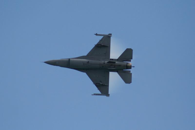 F-16 Falcon.