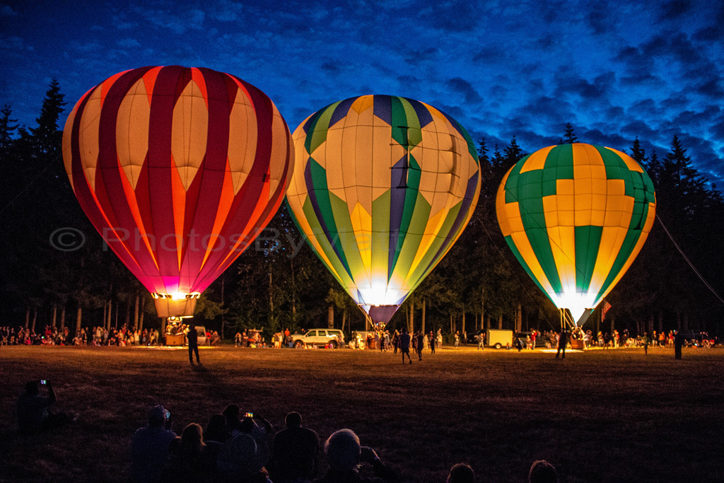Hot Air Balloon Glow at the Arlington Fly-In 07/08/2017