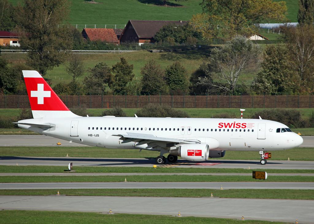 HB-IJS Airbus A320-214 (Zurich) Swiss International Air Lines