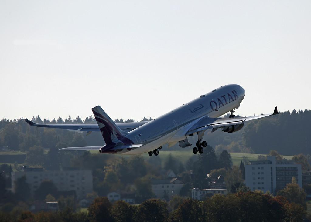 A7-AEA Airbus A330-303 (Zurich) Qatar Airlines