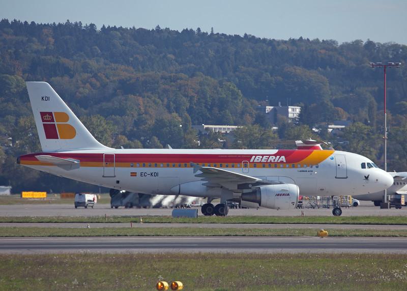 EC-KDI Airbus A319-111 (Zurich) Iberia 3