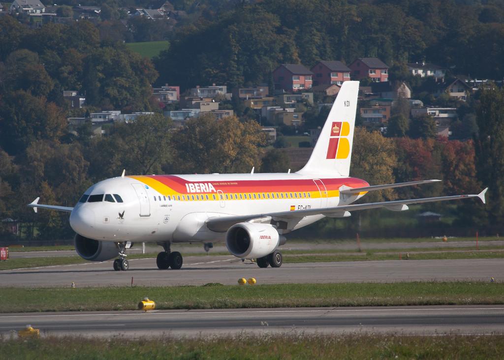 EC-KDI Airbus A319-111 (Zurich) Iberia 2