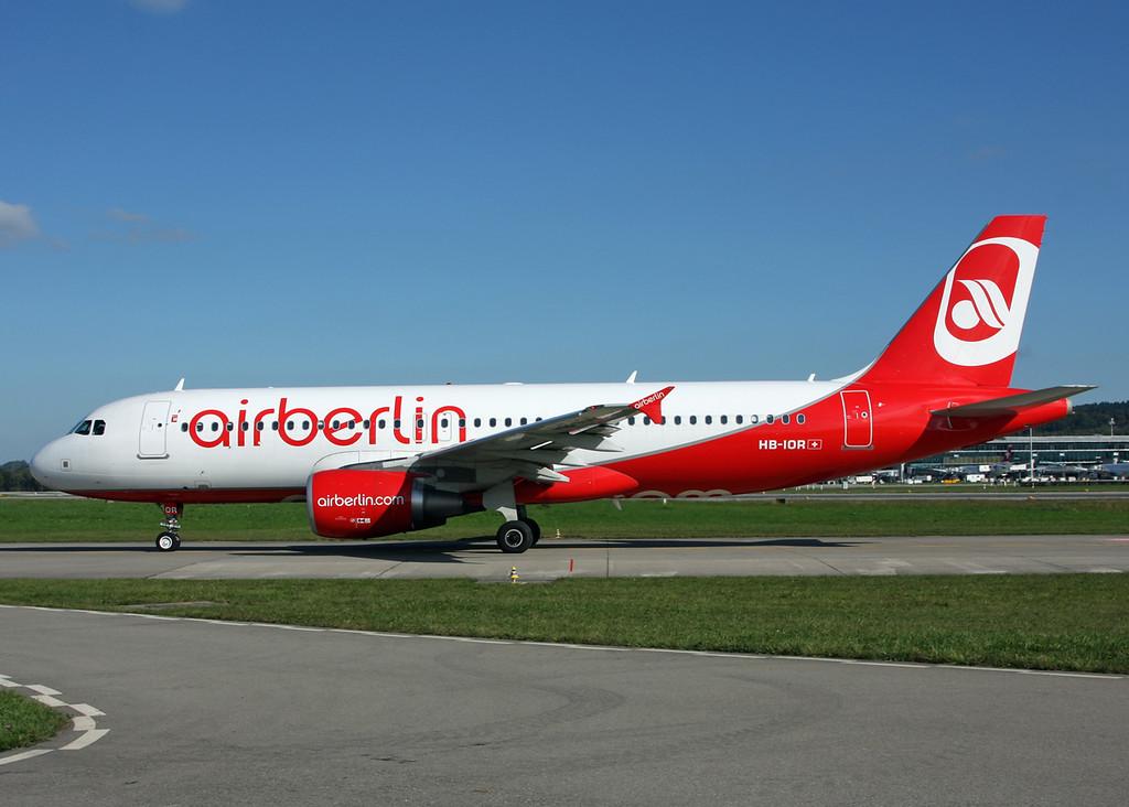 HB-IOR Airbus A320-214 (Zurich) Belair Airlines