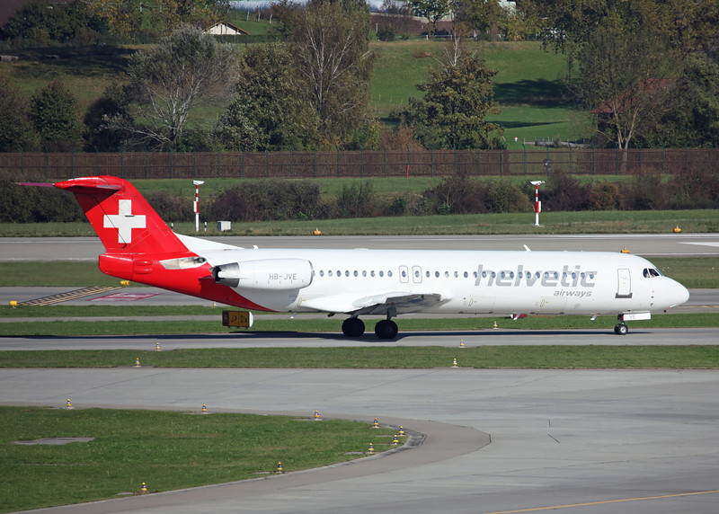 HB-JVE Fokker 100 (Zurich) Helvetic Airways