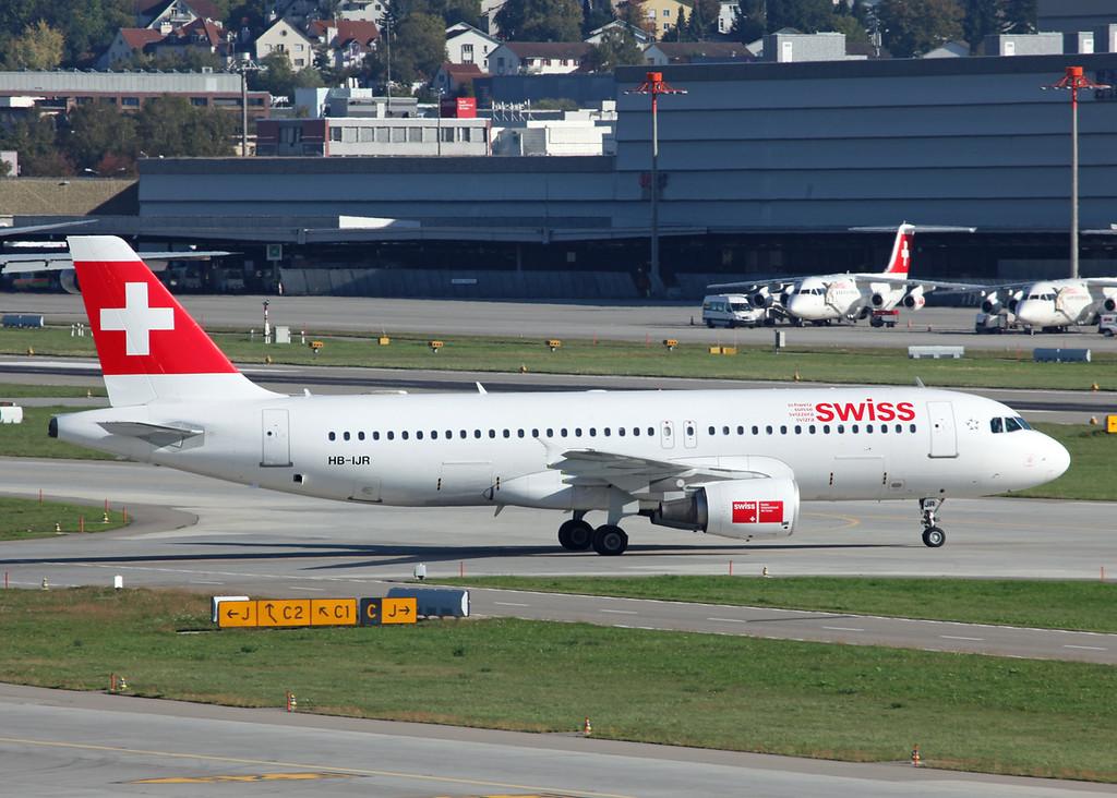 HB-IJR Airbus A320-214 (Zurich) Swiss International Air Lines