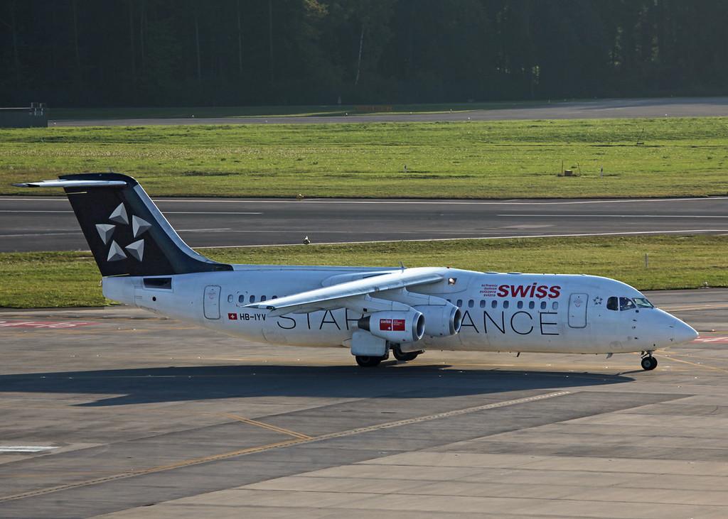 HB-IYV BAe AVRO 146-RJ100 (Zurich) Swiss European Air Lines AG