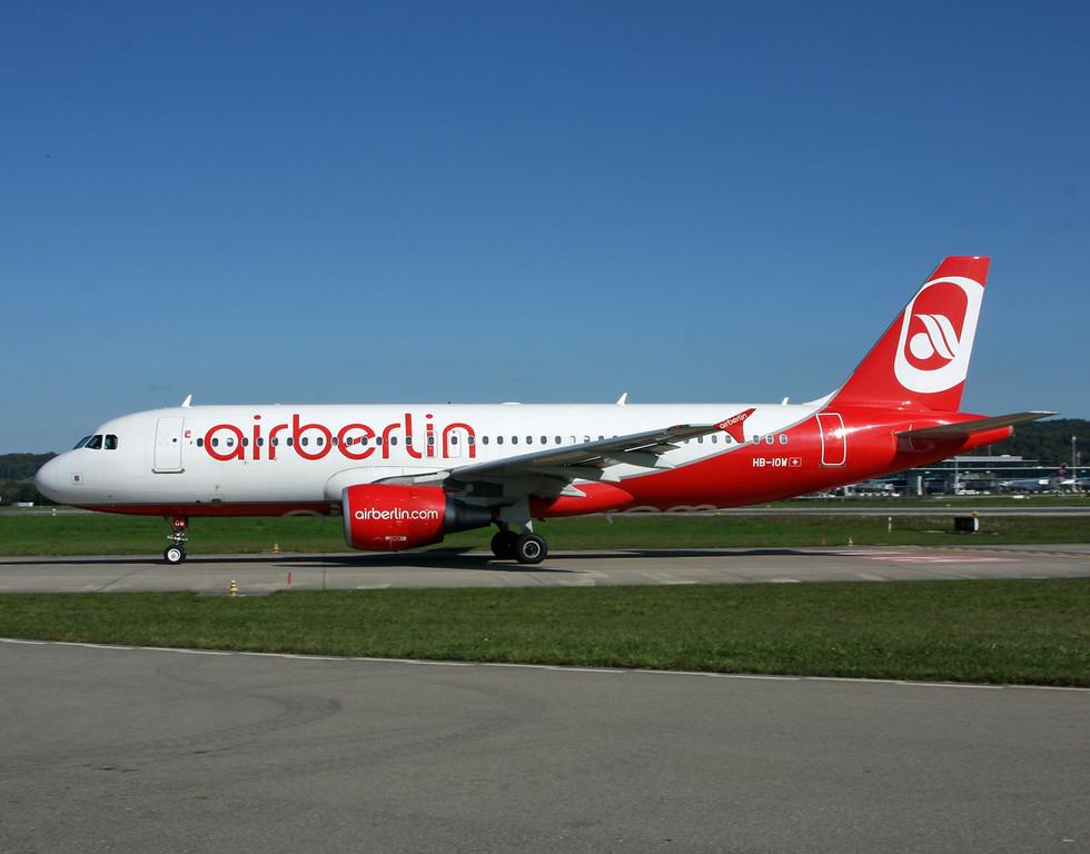 HB-IOW Airbus A320-214 (Zurich) Belair Airlines
