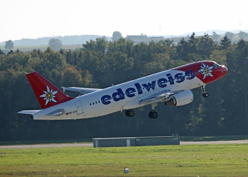 HB-IHX Airbus A320-214 (Zurich) Edelweiss Air