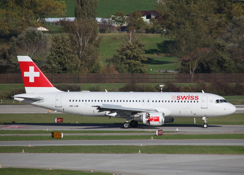 HB-IJB Airbus A320-214 (Zurich) Swiss International Air Lines