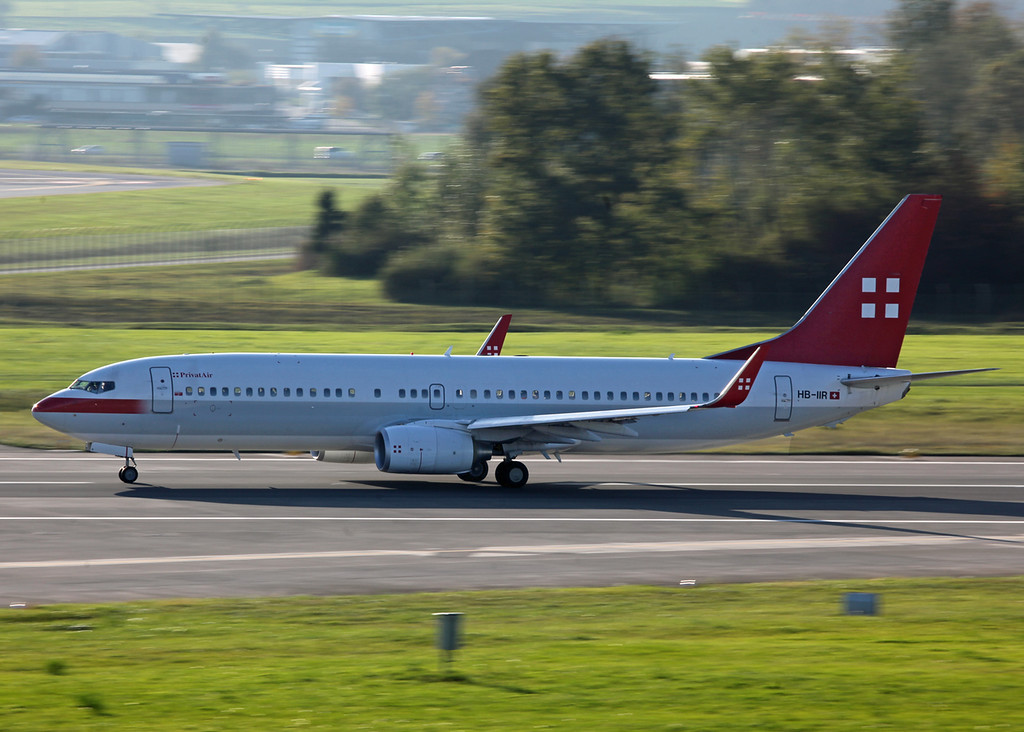 HB-IIR Boeing B737-86Q (Zurich) Privatair