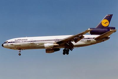 Lufthansa McDonnell Douglas DC-10-30  D-ADKO  Toronto - Lester B. Pearson International (Malton) (YYZ / CYYZ) Canada - Ontario, August 1989