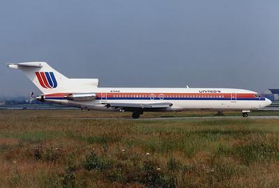 United Airlines Boeing 727-222/Adv Toronto - Lester B. Pearson International (Malton) (YYZ / CYYZ) Canada - Ontario, June 3, 1989 Reg: N7441U Cn: 21895/1507