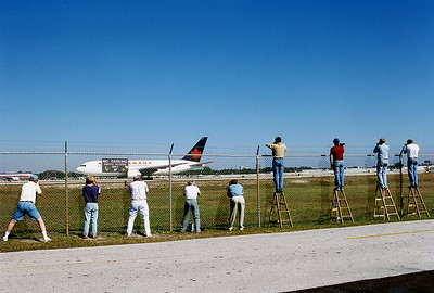 Fort Lauderdale - Hollywood International (FLL / KFLL) USA - Florida, January 1996 Aviation Photographers at work.......