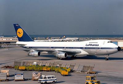 Yankee Tango - The real 'Retro'!    14.August 1988  D-ABYT  Lufthansa  Boeing 747-230B(M)  Frankfurt Rhein-Main Int'l Airport - EDDF