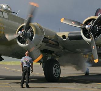 B-17 2 (44983527)