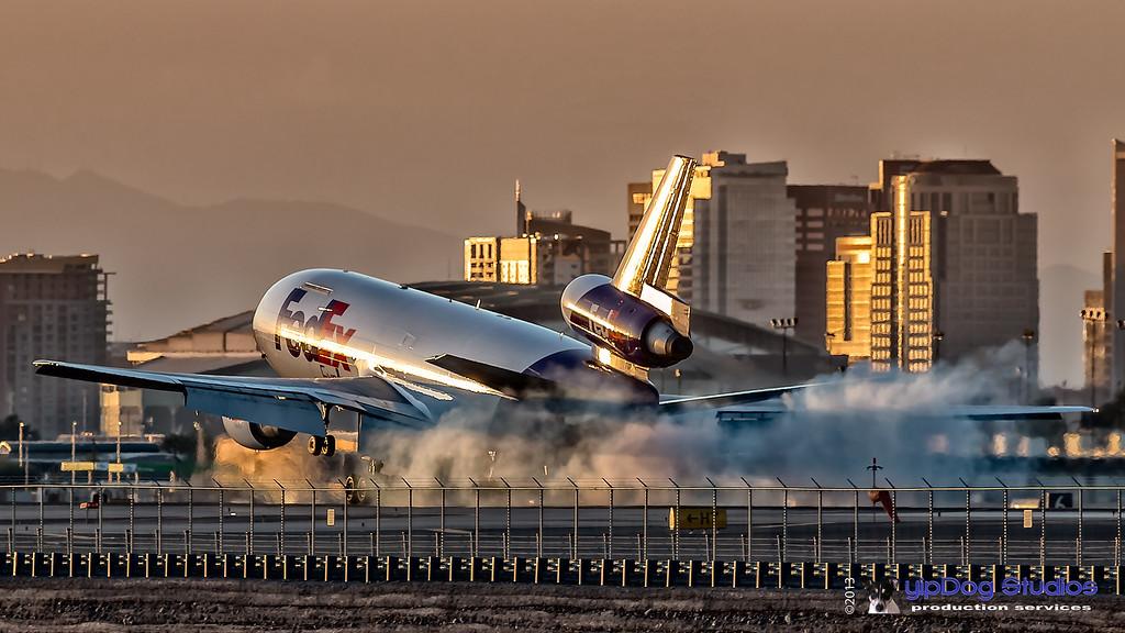 IMAGE: http://yipdog.smugmug.com/Airplanes/Commercial-Jets/i-kbBnhVb/1/XL/_MG_0363-XL.jpg