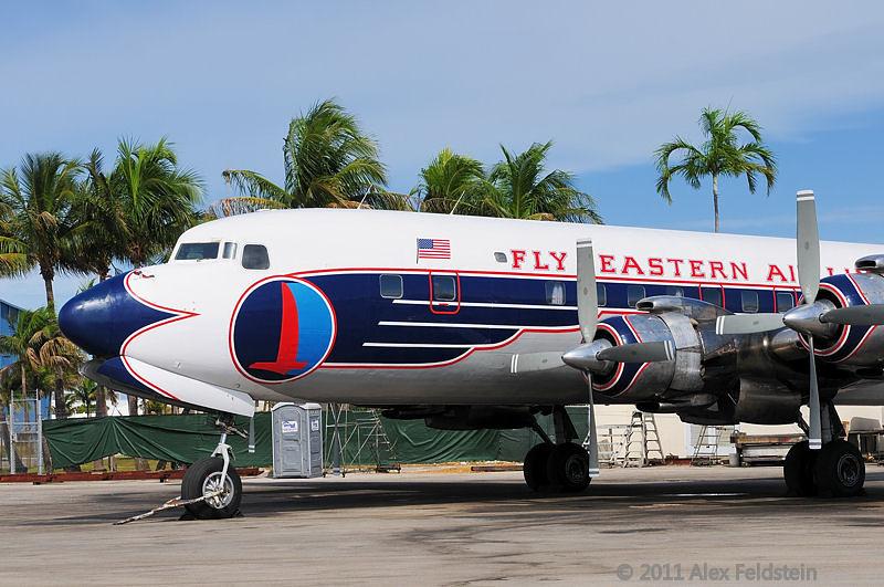 N836D at Opa-Locka airport