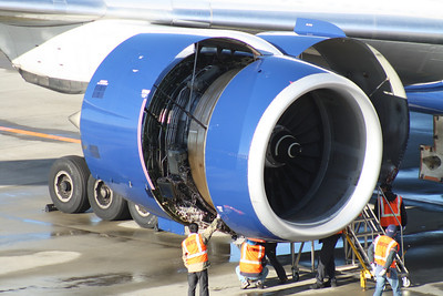 N862DA ENGINE ON DELTA AIRLINES 777-300