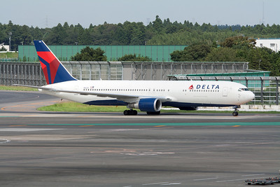 Delta Airlines Boeing 767-300 N1605